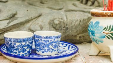 Storm in a teacup: British and Chinese tea cultures
