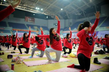 1,000 pregnant women join yoga class