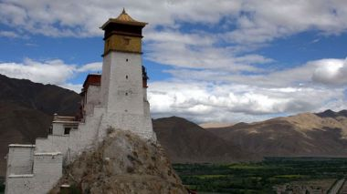 Tibet's oldest palace to undergo reconstruction work
