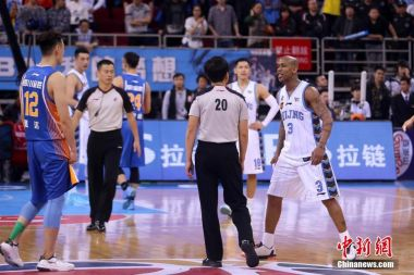 Watching basketball in China: from school gyms to arenas