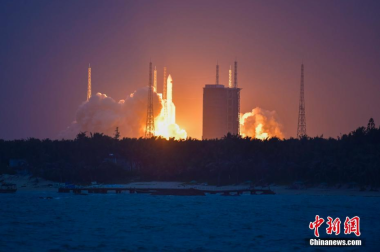 Long March 5 launches large satellite in test-run for major Chinese Moon mission