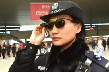 Chinese police don facial-recognition glasses to catch criminals
