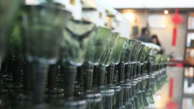 Natural glow of China's luminous jade wine cups