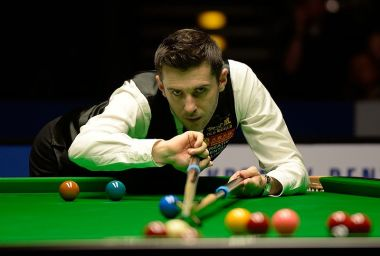Selby beats Higgins to win classic China Championship snooker final