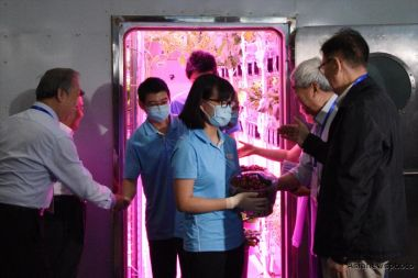 Students complete 370-day isolation test in bioregenerative lunar habitat
