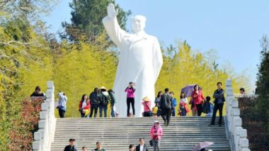 China to further promote 'red tourism'