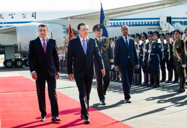 Chinese Premier begins first official visit to Tajikistan