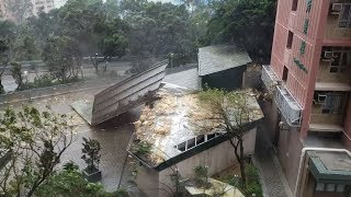 Typhoon Mangkhut slams in to southern China