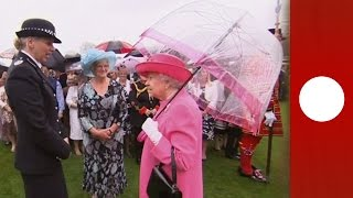 """China reacts to Queen Elizabeth's """"very rude"""" comments"""