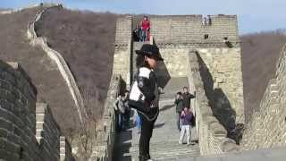 Little 'Michael Jackson' dances on the Great Wall of China